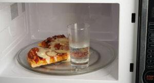 Hâm nóng pizza