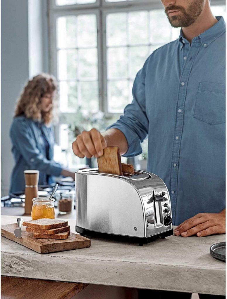 Việc chuẩn bị bữa ăn sáng trở nên dễ dàng hơn, nhờ có Máy Nướng Bánh Mỳ WMF Toaster Stelio